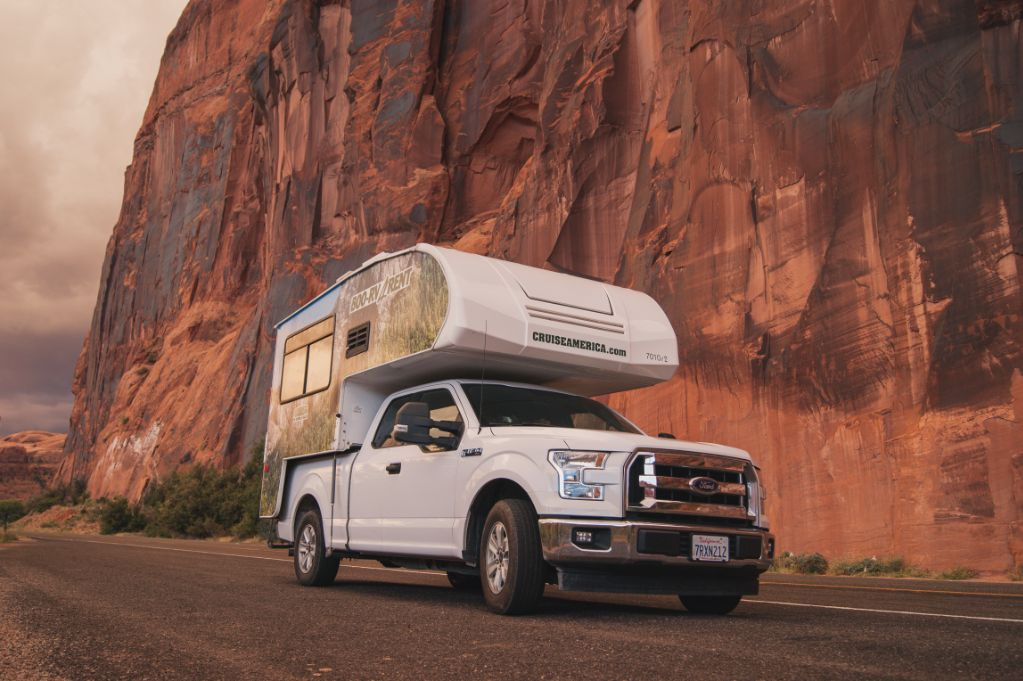 Cruise America T17 Truck camper